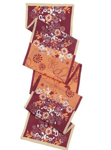 瑪麗亞 古琦MARJA KURKI 2012是品牌樣品絲巾